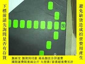 二手書博民逛書店Follow罕見me!Wayfinding & Signage
