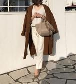 ■專櫃83折■ Loewe 羅威  全新真品 Hammock 吊床包粒面小牛皮小型手袋 沙色