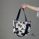 手提包奶牛紋大容量女包簡約休閒側背包托特包【邻家小鎮】