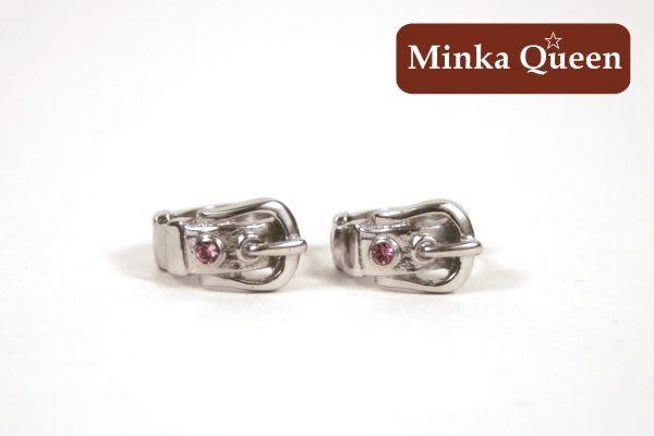 德國鈦鋼 皮帶造型 粉紅精緻水鑽抗敏易扣耳環(一對)(11 mm)