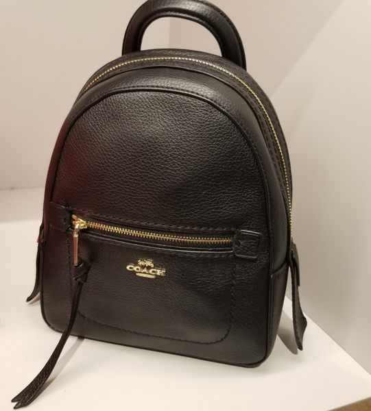 COACH 金色馬車 黑色 荔枝紋材質 多功能  迷你後背包 最新款 $4080