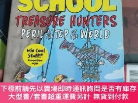 二手書博民逛書店Treasure罕見Hunter: Peril At the Top of the WorldY246860