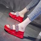 增高拖鞋 拖鞋女超火外穿時尚新款百搭水鑚厚底涼拖鞋夏季鬆糕增高-Ballet朵朵