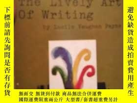 二手書博民逛書店The罕見Lively Art of WritingY16790