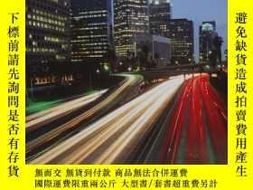 二手書博民逛書店Mobility罕見First: A New Vision for Transportation in a Glo