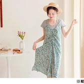 《DA8654》滿版印花前襟綁帶抽皺吊帶洋裝 OrangeBear