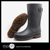 歐美男士中筒牛筋底防滑雨鞋 皮帶扣環簡約素面黑色男款雨靴 mo.oh (男士鞋款)