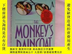 二手書博民逛書店The罕見Monkey s Raincoat 保存很好Y8571
