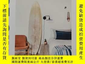 二手書博民逛書店Surf罕見Shack: Laid-Back Living by