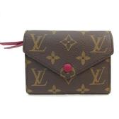 Louis Vuitton LV M41938 Victorine Monogram( 經典花紋)扣式錢短夾.紫紅 全新 現貨【茱麗葉精品】