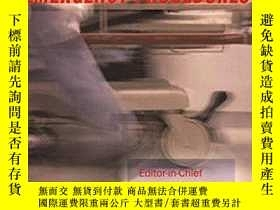 二手書博民逛書店Essential罕見Emergency Procedures
