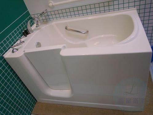 【麗室衛浴】 孝親專用養身泡澡浴缸 9160 適合家中長輩及行動不便人士 尺寸: 長130cm*寬69cm*高84cm