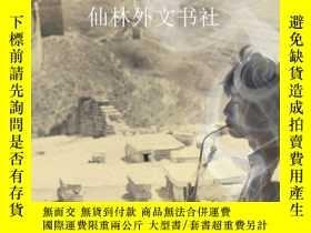 二手書博民逛書店【罕見】Golden-Silk Smoke: A History of in ChinaY27248 Caro