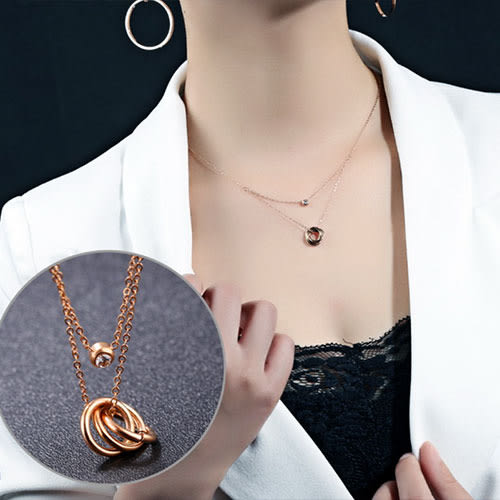 《 QBOX 》FASHION 飾品【C100N1176】精緻秀氣單鑽多環玫瑰K金316L鈦鋼墬子項鍊