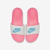 Nike WMNS Benassi JDI [343881-616] 女鞋 拖鞋 涼鞋 運動 雨天 海邊 穿搭 粉藍
