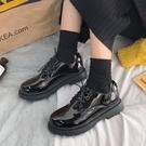 牛津鞋 黑色漆皮小皮鞋女英倫風春季平底系帶牛津日系制服jk單鞋 爾碩