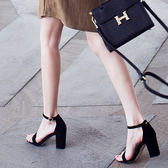 全館八折-2018夏季新款百搭正韓學生女鞋黑色羅馬中跟高跟粗跟一字扣帶涼鞋 百貨週年慶