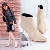 細跟靴性感鉚釘高跟馬丁靴女新款冬女鞋細跟靴子女時尚尖頭短靴 伊韓時尚