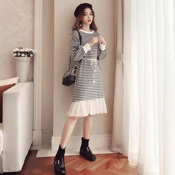 毛呢裙 秋冬裝新款洋氣網紗拼接呢子長裙小香風千鳥格子長袖毛呢連衣裙女 歐歐