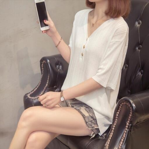 上衣針織寬鬆V領中大尺碼XL-4XL新款短袖冰絲針織打底衫女修身t卹2F060-2110.胖丫