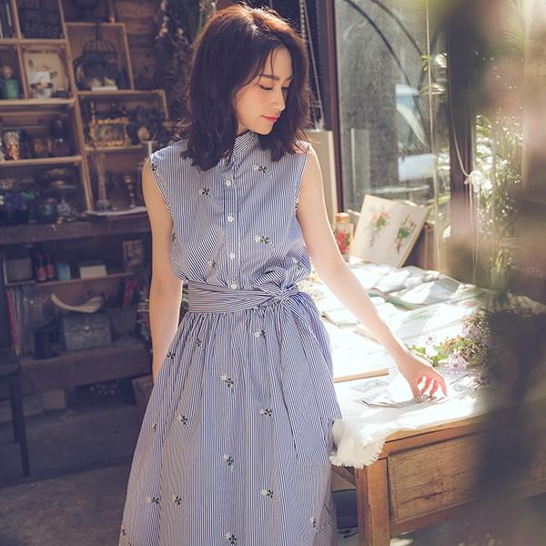 洋裝 RCha。刺繡條紋綁帶無袖長洋裝-Ruby s 露比午茶