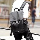 皮革後背包新款街頭背包雙肩包韓版皮質商務潮流抽帶時尚背包書包旅行包潮 麥吉良品