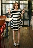BabyShare時尚孕婦裝【J16026】現貨 黑白條紋拼接娃娃裙 孕婦裝 連身裙 短袖洋裝