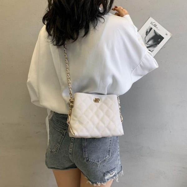 斜背包法國小眾高級感包包2019小ck女包限定洋氣時尚斜背菱格錬條包 交換禮物
