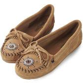 【MINNETONKA 】沙棕色麂皮愛心串珠平底莫卡辛女鞋【 在台24H 寄出】