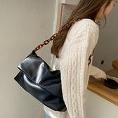 小眾設計包包2021新款時尚亞克力鍊條軟皮ins百搭春夏側背腋下包 伊蘿