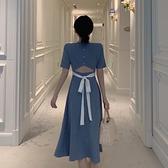法式復古小心機收腰洋裝女夏季新款赫本風黑色露背方領長裙 母親節禮物
