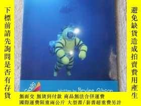 二手書博民逛書店Submarine罕見Rescue(Sails Informat