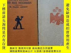 二手書博民逛書店Soviet罕見Russia and Her Neighbors