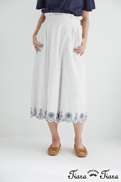 【Tiara Tiara】條紋x花紋寬版裸踝褲裙(藍/灰)