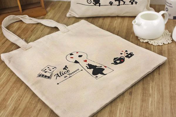 Alice新品-日本經典童話.愛麗絲.剪影.帆布袋.收納袋.個性學生袋.購物袋.A4可放