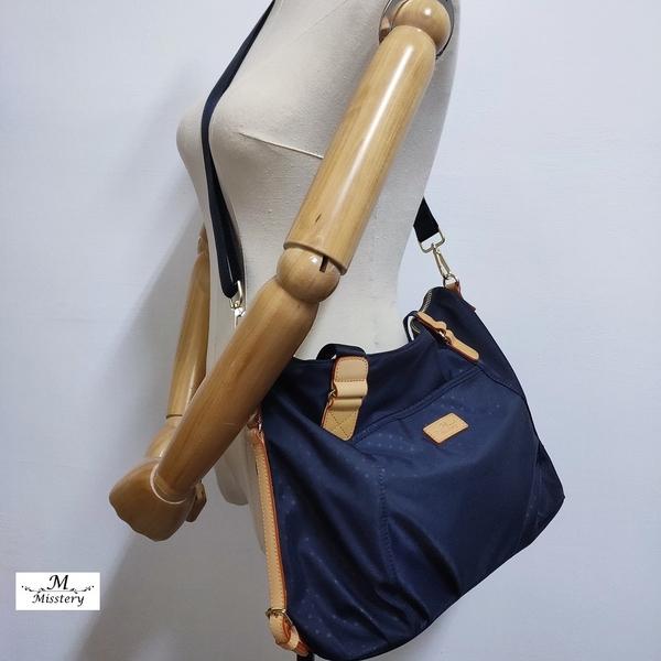【Misstery贈零錢包】側肩包小圓點圖案斜背/側肩背包-藍(防潑水面料搭配頂級植鞣革)A88-118PBU