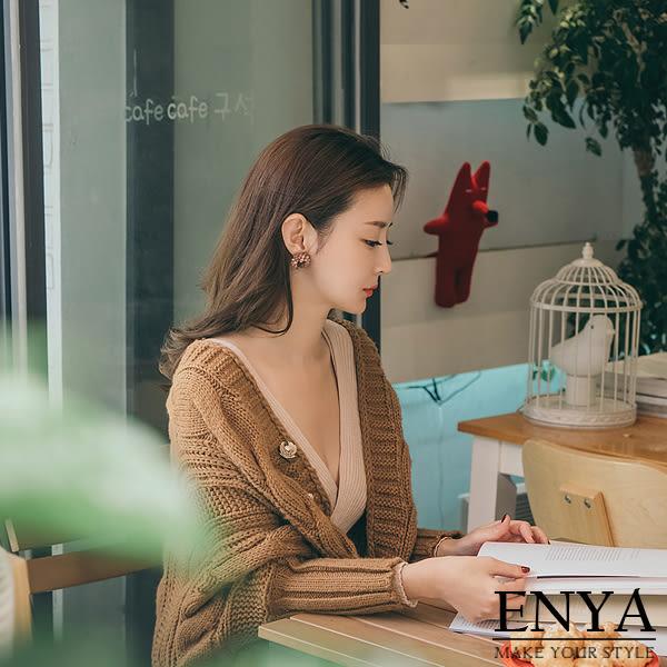 柔和花朵胸針 別針 Enya恩雅(正韓飾品)【EASS613598613】