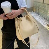 水桶包 今年流行的包包新款潮夏斜背包女百搭ins手提包大容量托特包 雙十二全館免運
