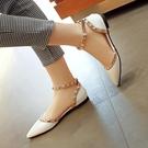 新款 韓版時尚鉚釘中空 涼鞋包頭一字扣帶尖頭漆皮女鞋平跟鞋 雙11低至8折