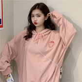 DE SHOP~暗粉草莓刺繡寬鬆百搭連帽長袖上衣(HL-4400)