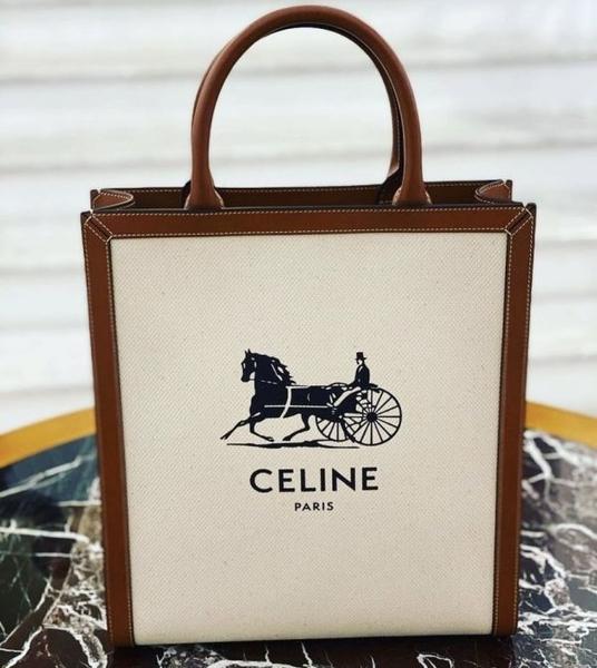 ■專櫃72折■全新真品■Celine 馬車印花帆布及小牛皮直式Cabas 托特包
