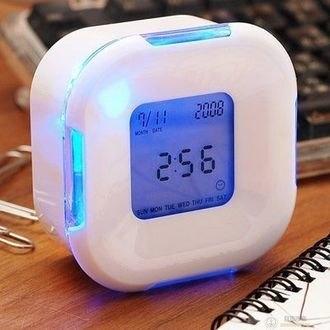 【LED四面鐘】多功能萬年曆 溫度計 倒數計時 鬧鐘 可愛型智能 計時器 鬧鈴 轉換鬧鐘