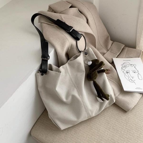 大包包女2021新款潮韓版時尚斜背帆布包ins百搭大容量側背托特包 漫步雲端