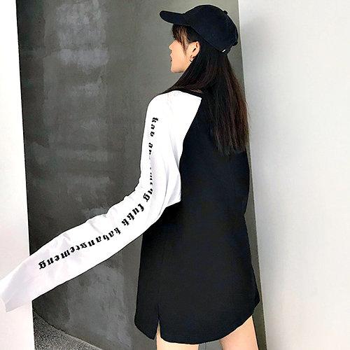 克妹Ke-Mei【AT57647】CREAM辛辣哥特風梵文字母棒球袖長版T恤洋裝