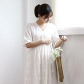 正韓 蕾絲刺繡鈎花V領短袖洋裝 (2219) 現貨