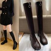 靴子女秋款不膝上靴英倫風高筒騎士靴前拉錬瘦瘦靴粗跟皮靴扣子小铺 扣子小鋪