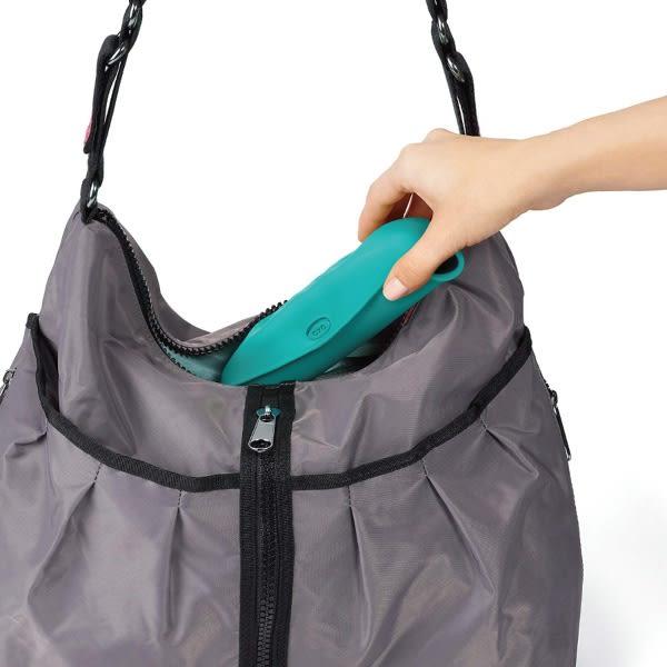 美國 OXO tot 可捲摺圍兜/攜帶式 (莓果粉/繽紛藍/靚藍綠)