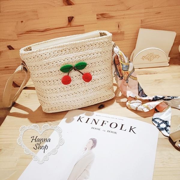 《花花創意会社》外流。藤編拼接小櫻桃森女系緞帶兩用包【H6688】