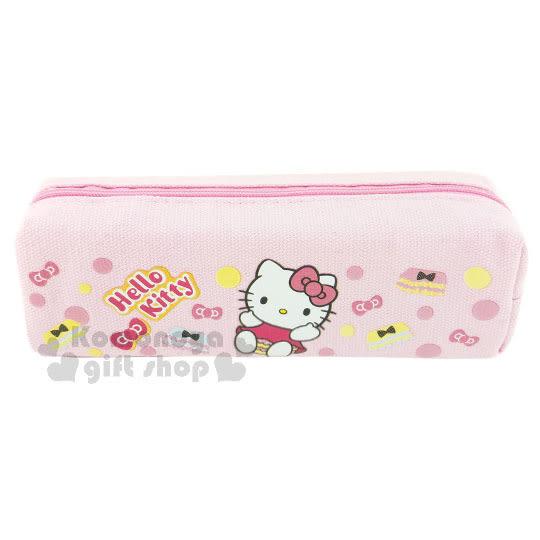 〔小禮堂〕Hello Kitty 帆布拉鍊筆袋《粉.蓬蓬褲.點點.坐姿》 4712937-66705