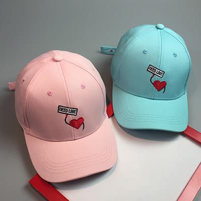 棒球帽ManStyle潮流嚴選馬卡龍色系需要愛字母愛心刺繡棒球帽滑板帽嘻哈帽街舞帽【02U0210】